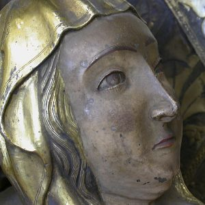 Rosto da Virgem Maria. Pormenor do Tríptico em prata dourada e esmaltes. Século XIV.
