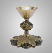 Cálice em prata dourada com aplicações em esmalte. Século XIII.