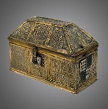 Cofre relicário em prata dourada e esmalte. Século XV.