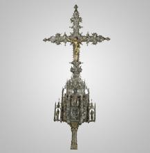 Cruz Processional em prata branca e dourada. Século XVI.