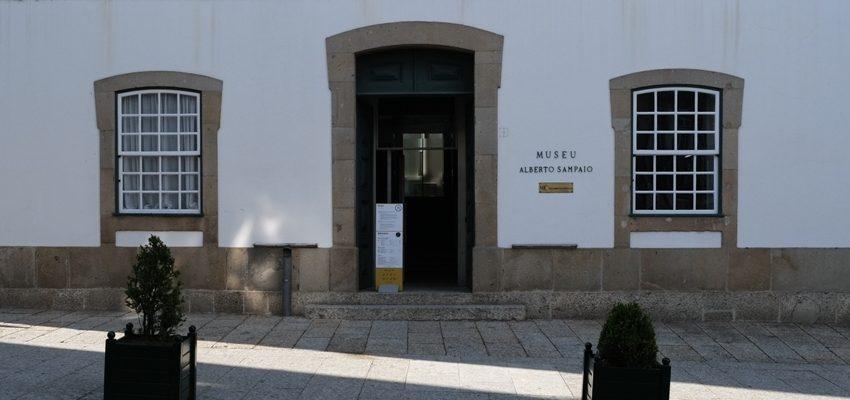 Vista da entrada principal do Museu